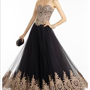 Black and Gold Sweetheart Ballgown